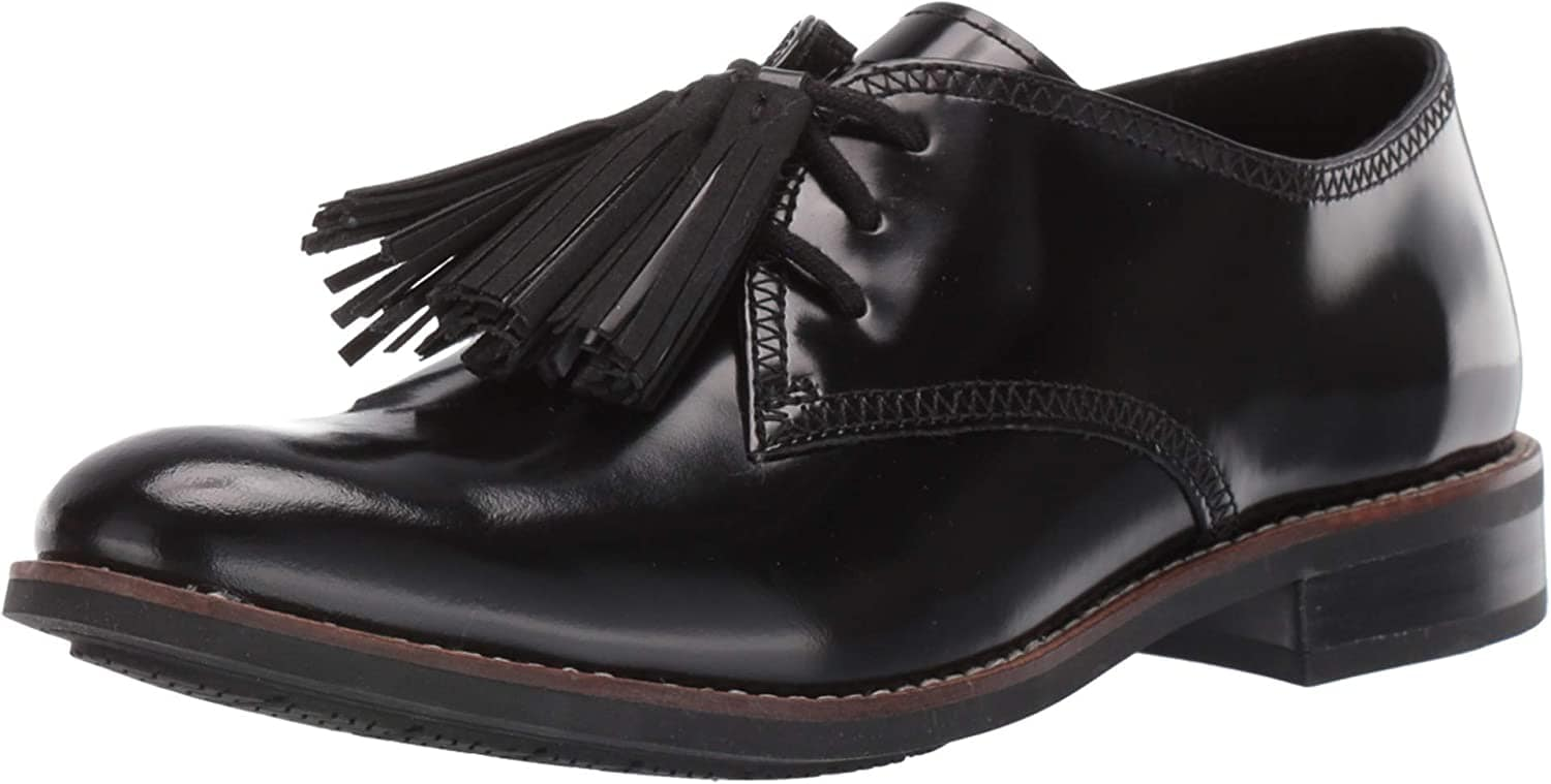The removable tassels add a cute flair to these classic oxfords