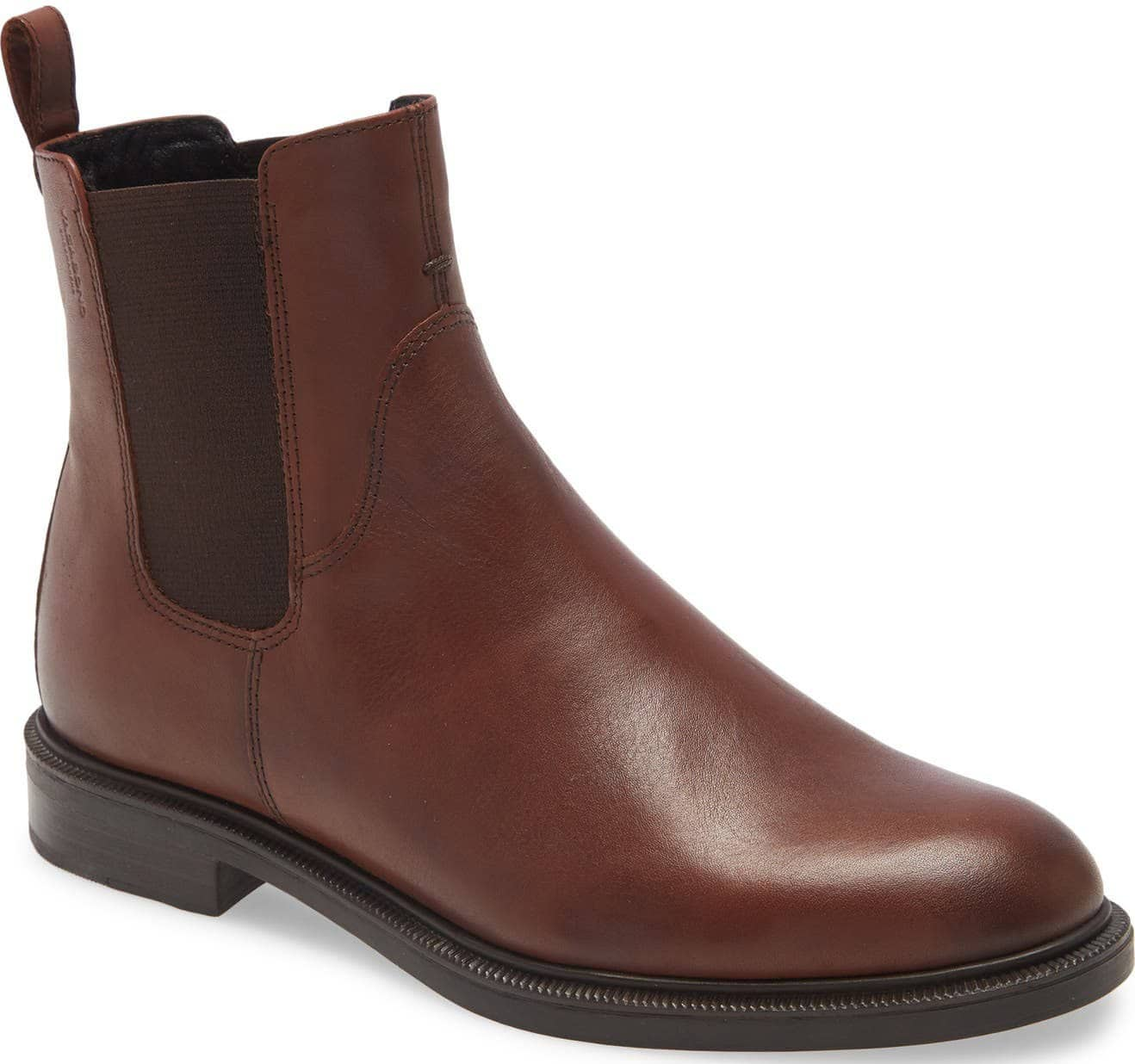 Enjoy day to evening comfort with the country-style Vagabond Shoemakers Chelsea boot