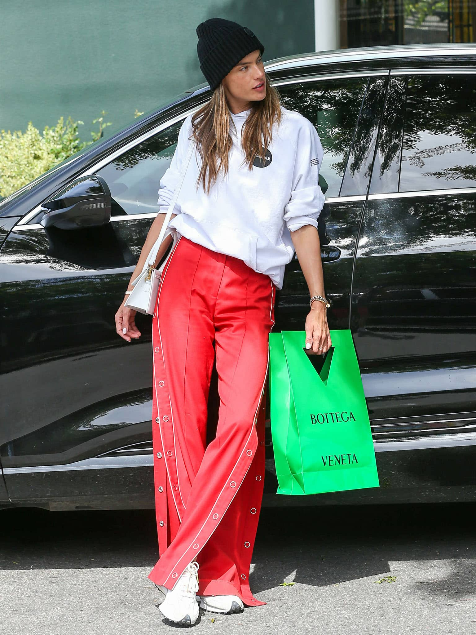 Alessandra Ambrosio goes on a solo shopping trip at Bottega Veneta in Los Angeles on March 24, 2021