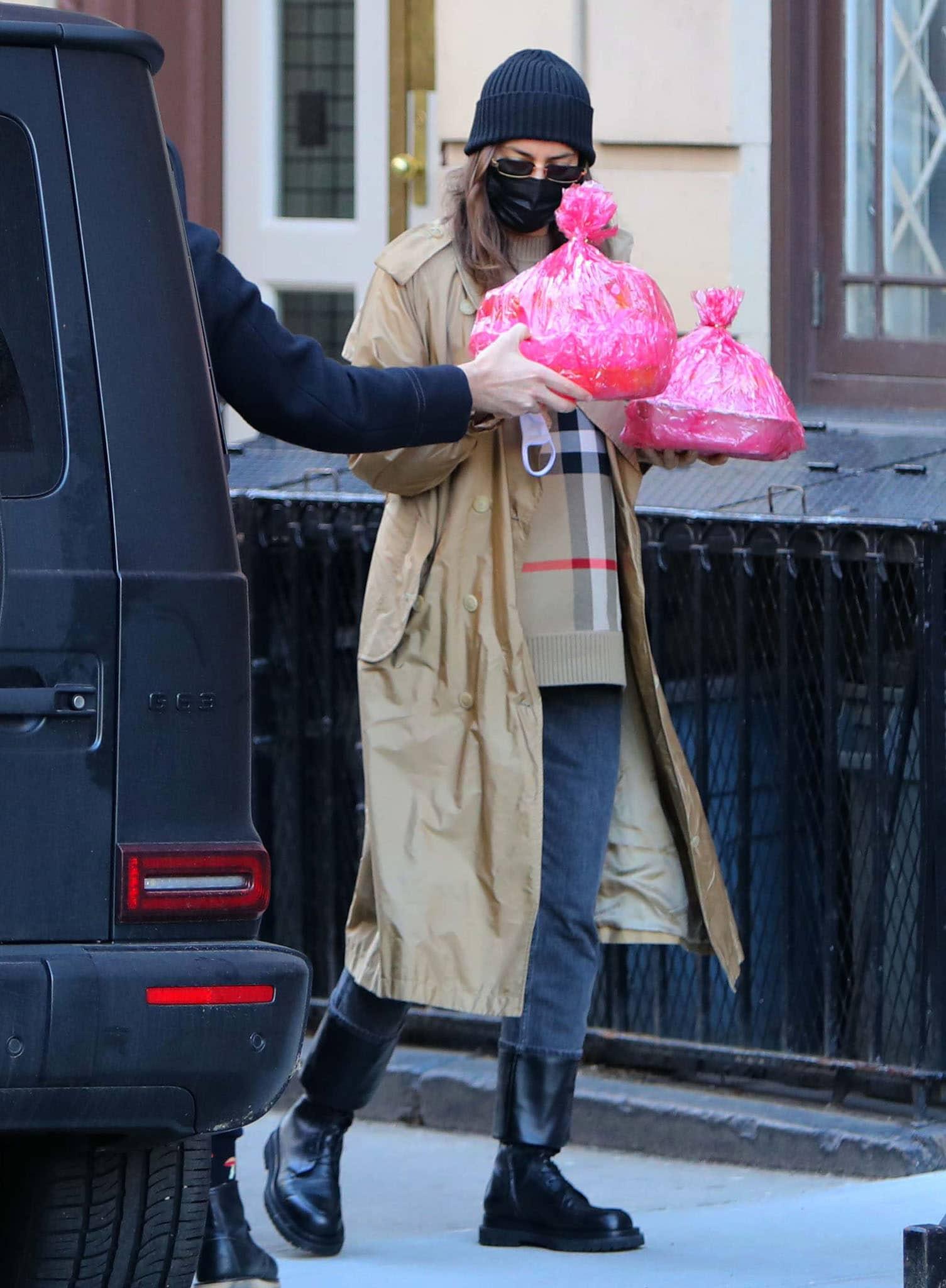 Irina Shayk brings baked goodies for her daughter's birthday celebration