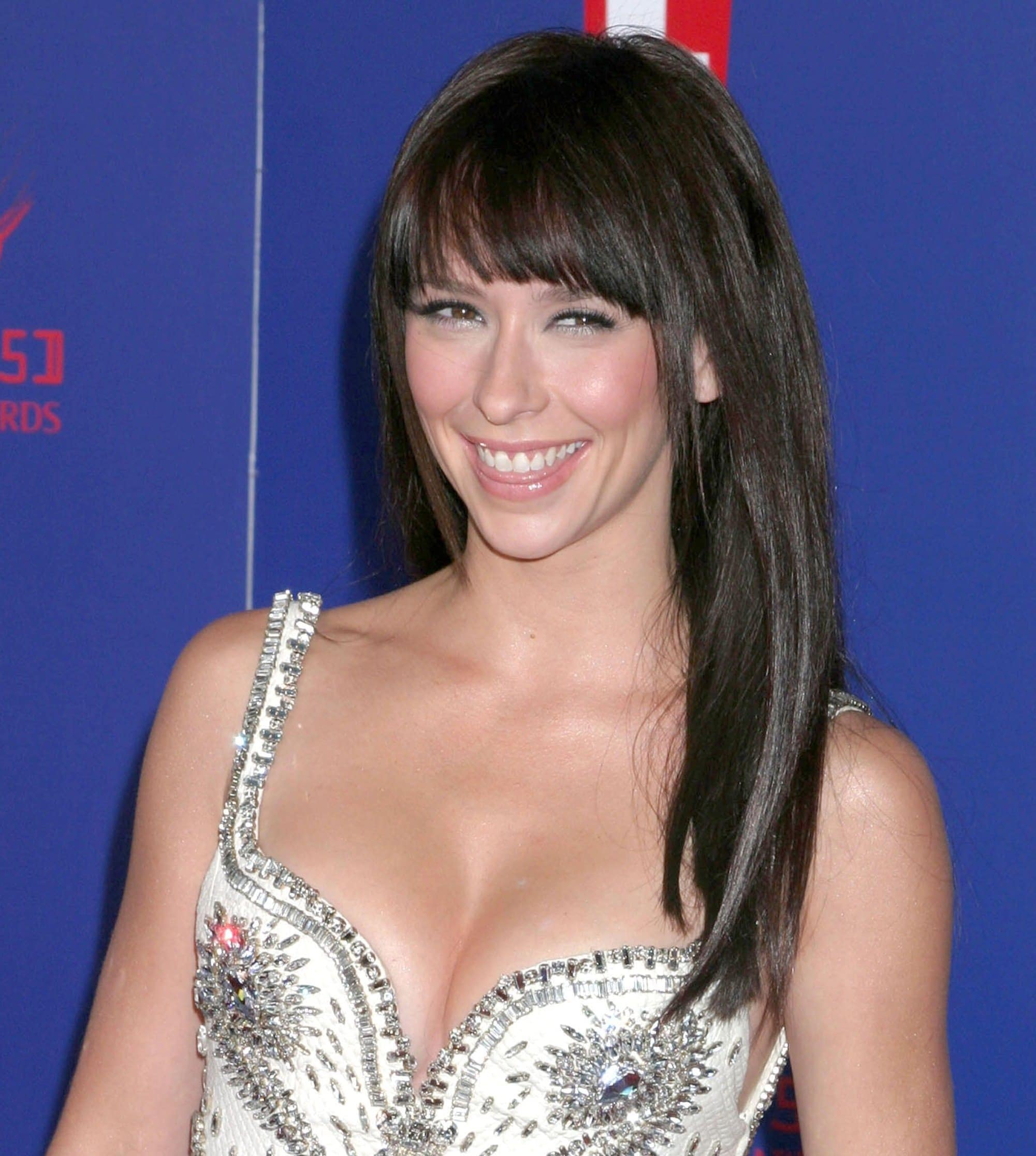 Jennifer Love Hewitt considers her breasts a great accessory to every outfit
