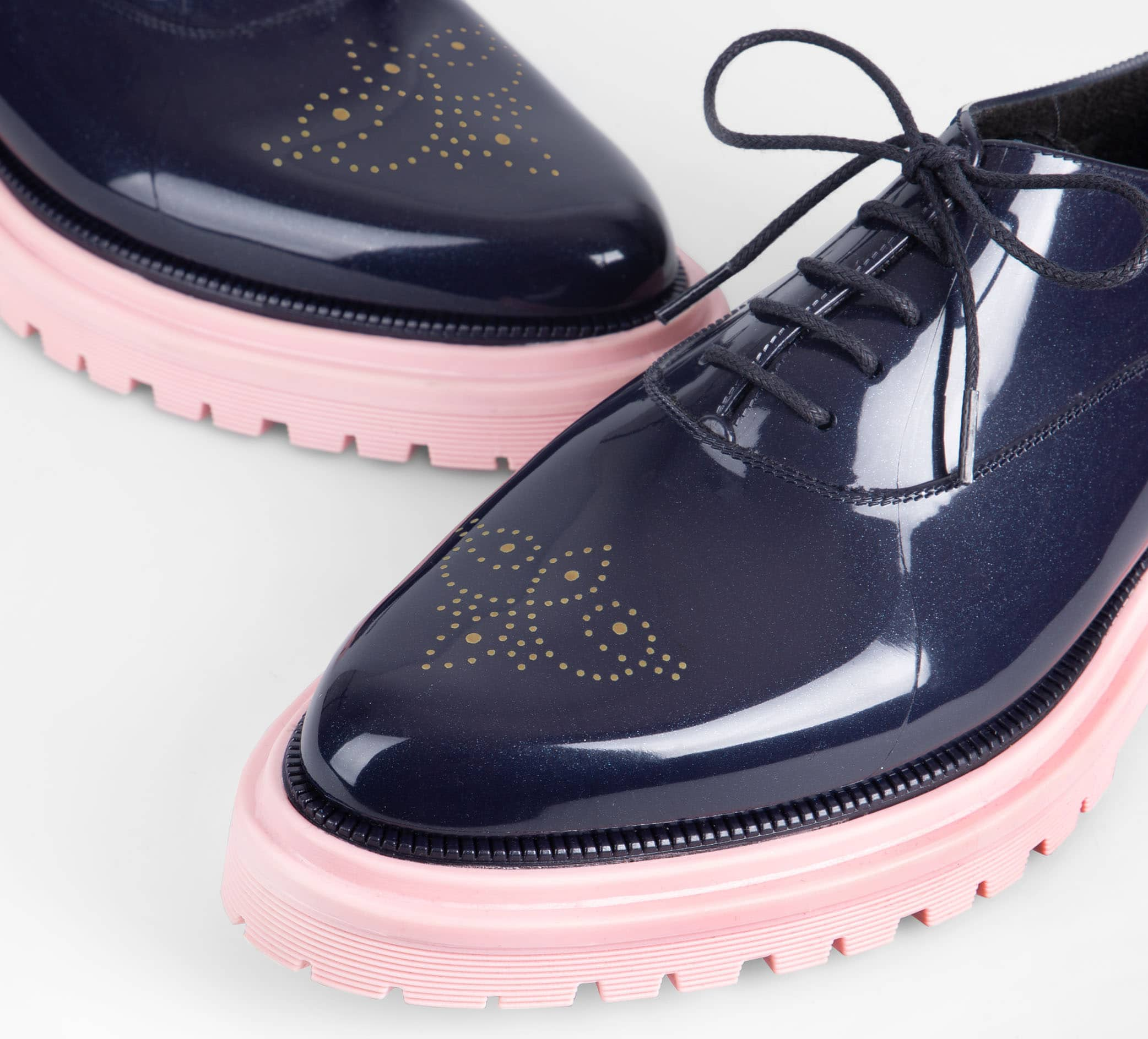 The Lemon Jelly oxford has a synthetic lining that will prevent feet from slipping and keep feet comfortable