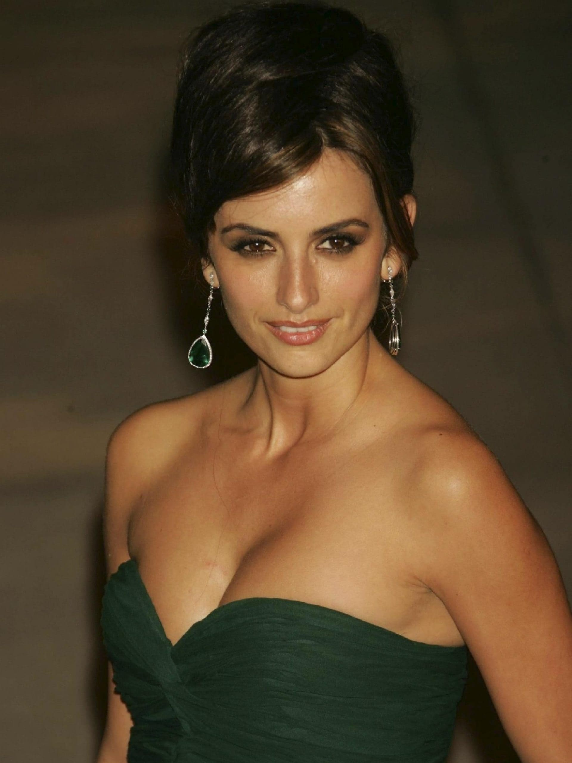 Penelope Cruz is opposed to plastic surgery and wants to age naturally