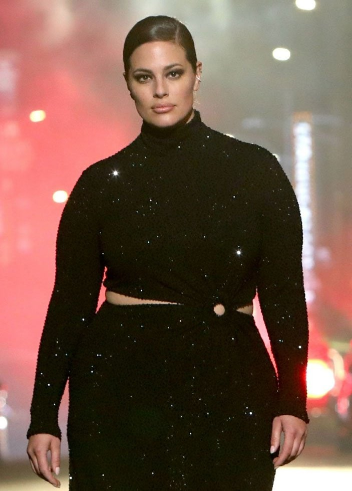 Ashley Graham looks beautiful with a slicked ponytail and smokey eye-makeup