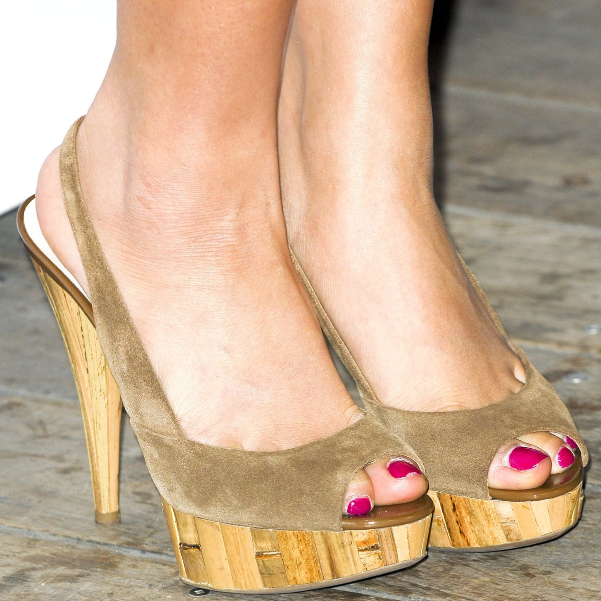 Brenda Song shows off her size 6 (US) feet in high heels