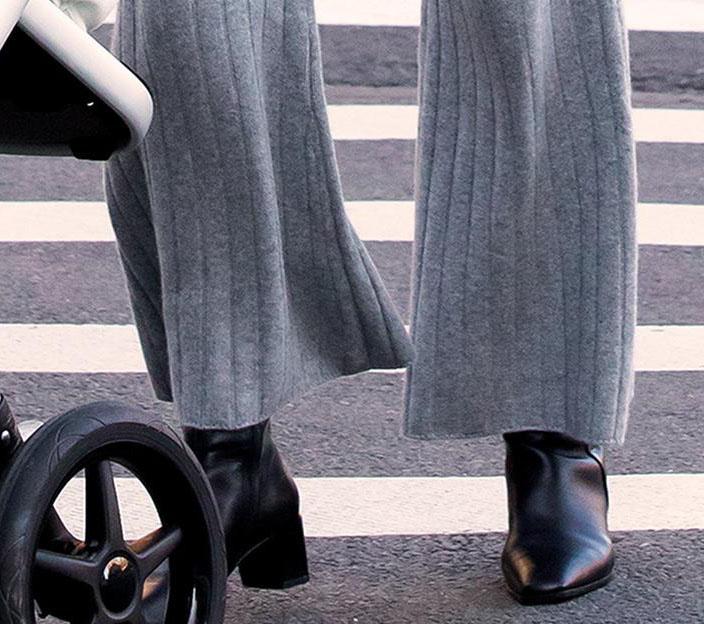 Gigi Hadid elevates her loungewear with Vagabond Shoemakers Gabi block-heeled boots