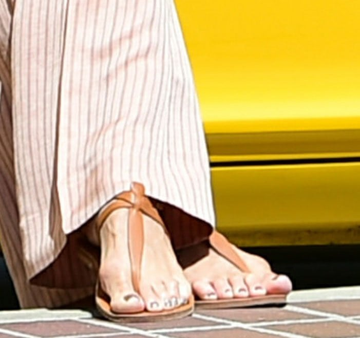 Heidi Klum shows off her feet in K. Jacques St. Tropez Cedre thong sandals