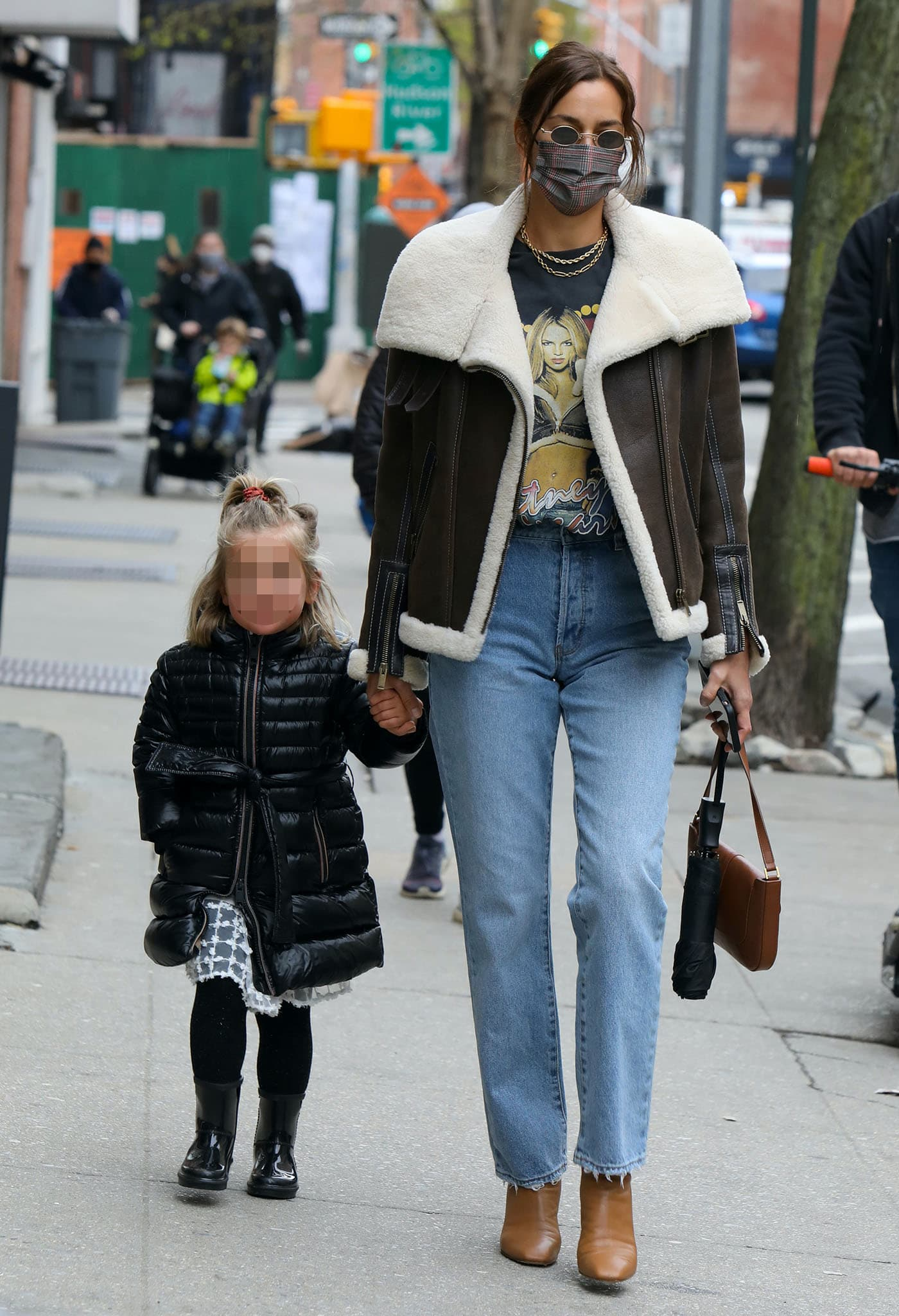 Irina Shayk steps out with her daughter, Lea, in NYC's Greenwich Village