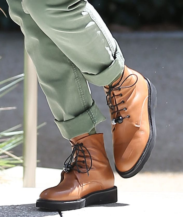 Jessica Alba finishes off her spring look with Dear Frances Park lace-up boots in tan color