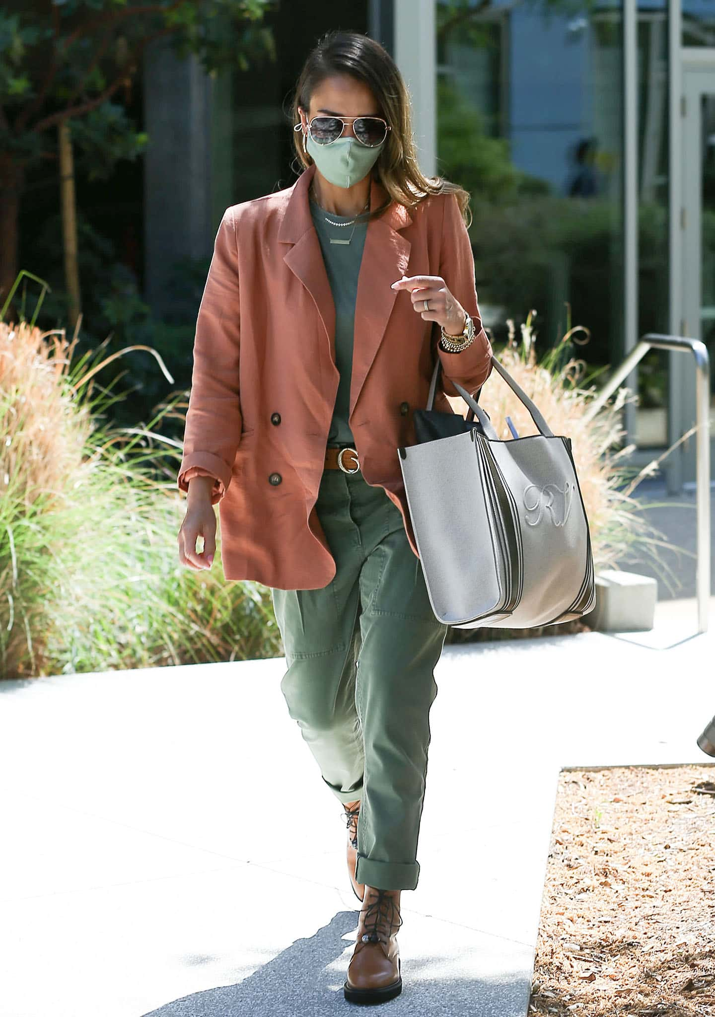 Jessica Alba goes to The Honest Company headquarters in Los Angeles on April 9, 2021