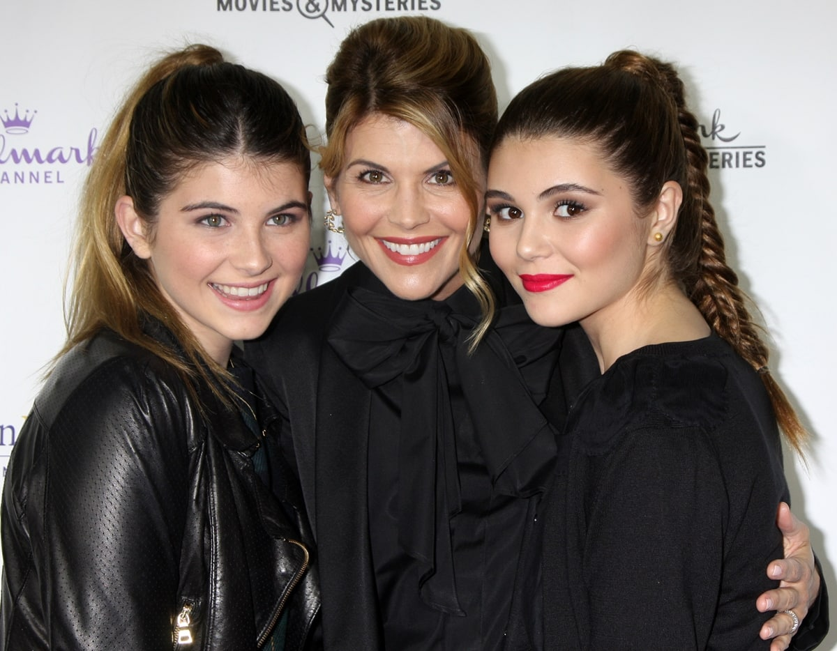 Actress Lori Loughlin (C) and her daughters Isabella Rose Giannulli (L) and Olivia Jade Giannulli (R)