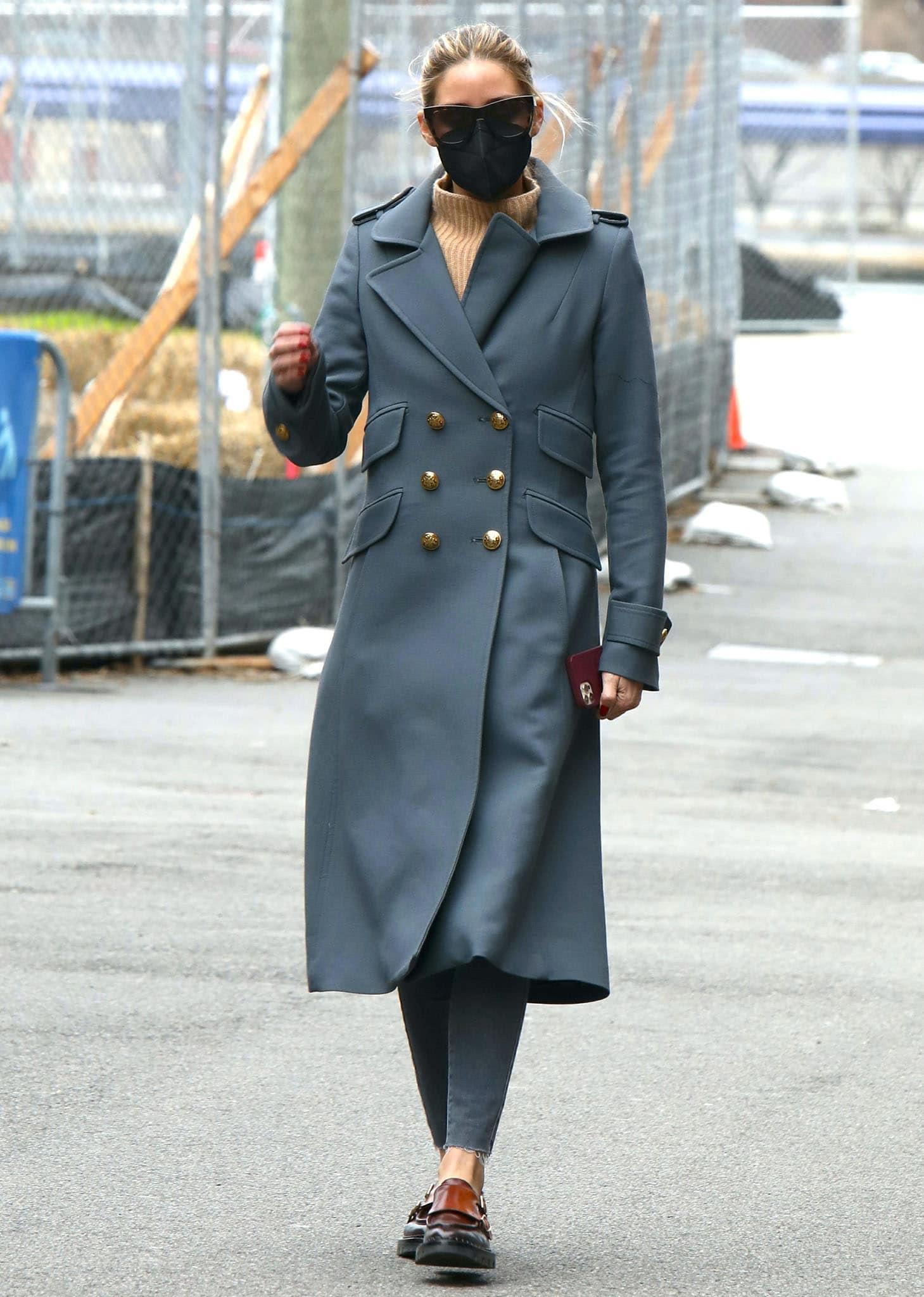Olivia Palermo runs errands in luxurious Smythe Birkin coat and skinny jeans on April 4, 2021