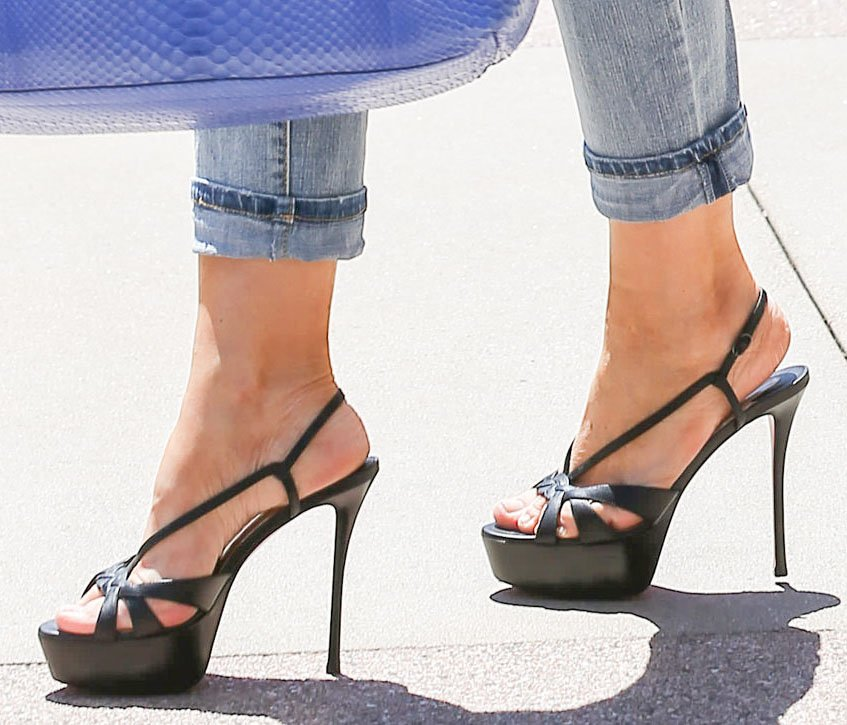 Sofia Vergara adds a few inches to her height with Christian Louboutin's Veracite platform sandals