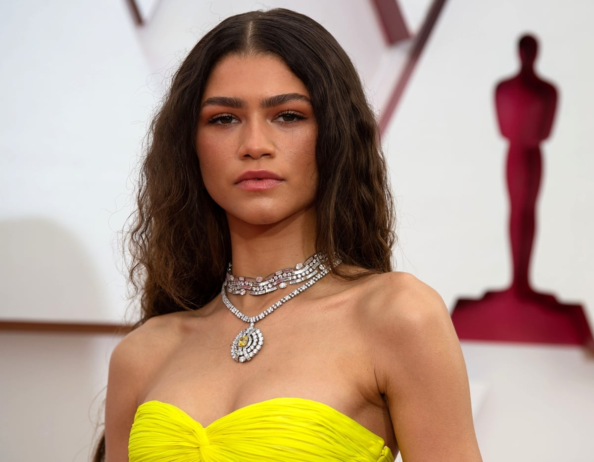 Zendaya wore a yellow diamond tassel necklace and a total of 183.3 carats from Bulgari valued at over $6 million