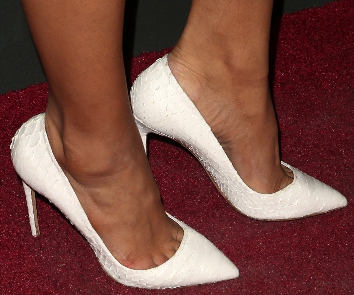 Chanel Iman shows off her size 7 (US) feet on the red carpet