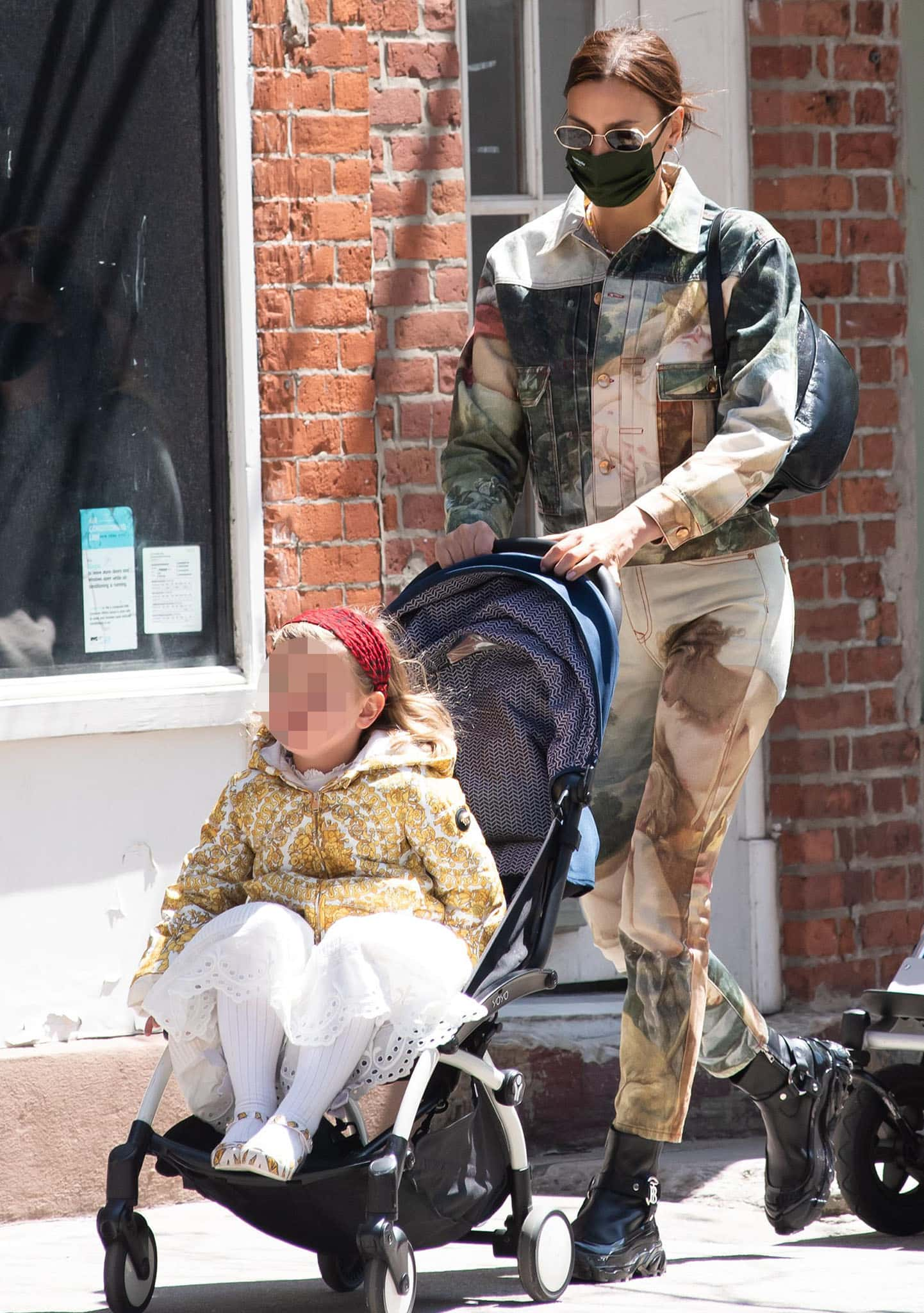 Irina Shayk drops her daughter off to school on April 23, 2021