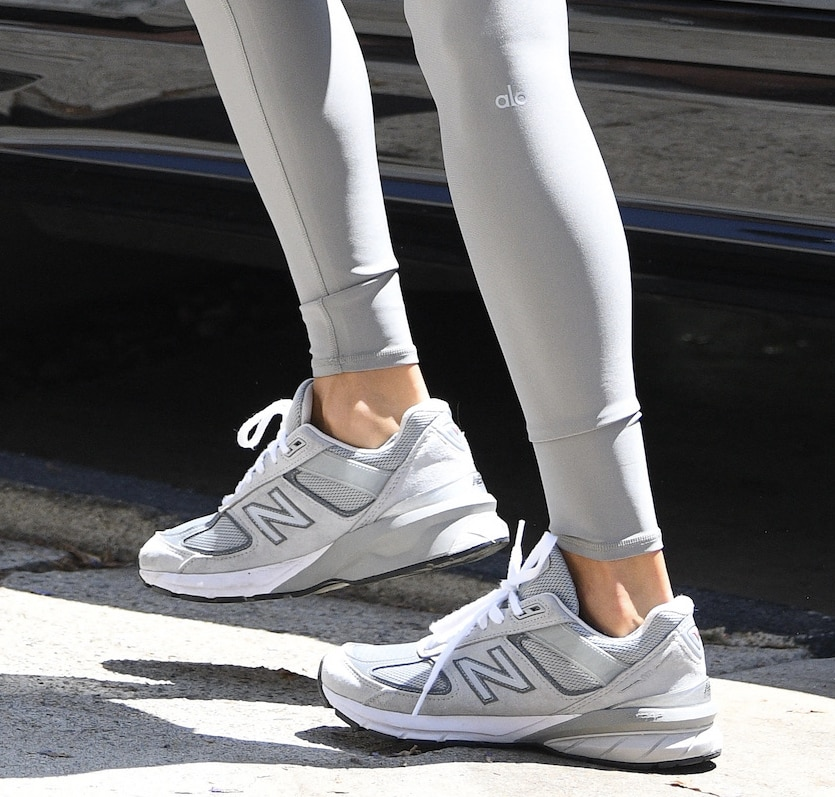 Alessandra Ambrosio finishes off her Pilates look with New Balance Made in US 990V5 shoes