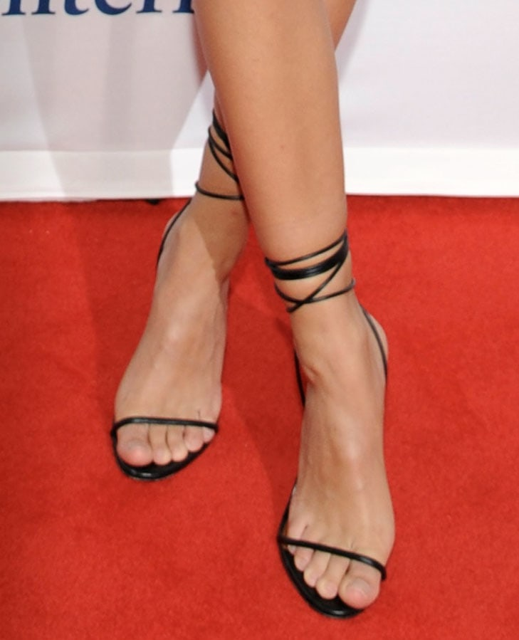 Emily Ratajkowski finishes off her sexy outfit with Femme Barely-There heels