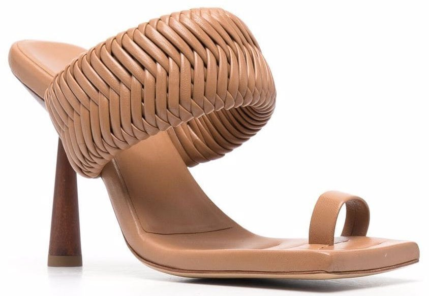 Rosie Huntington-Whiteley designed these Balenciaga-like woven square-toed sandals for Gia Couture