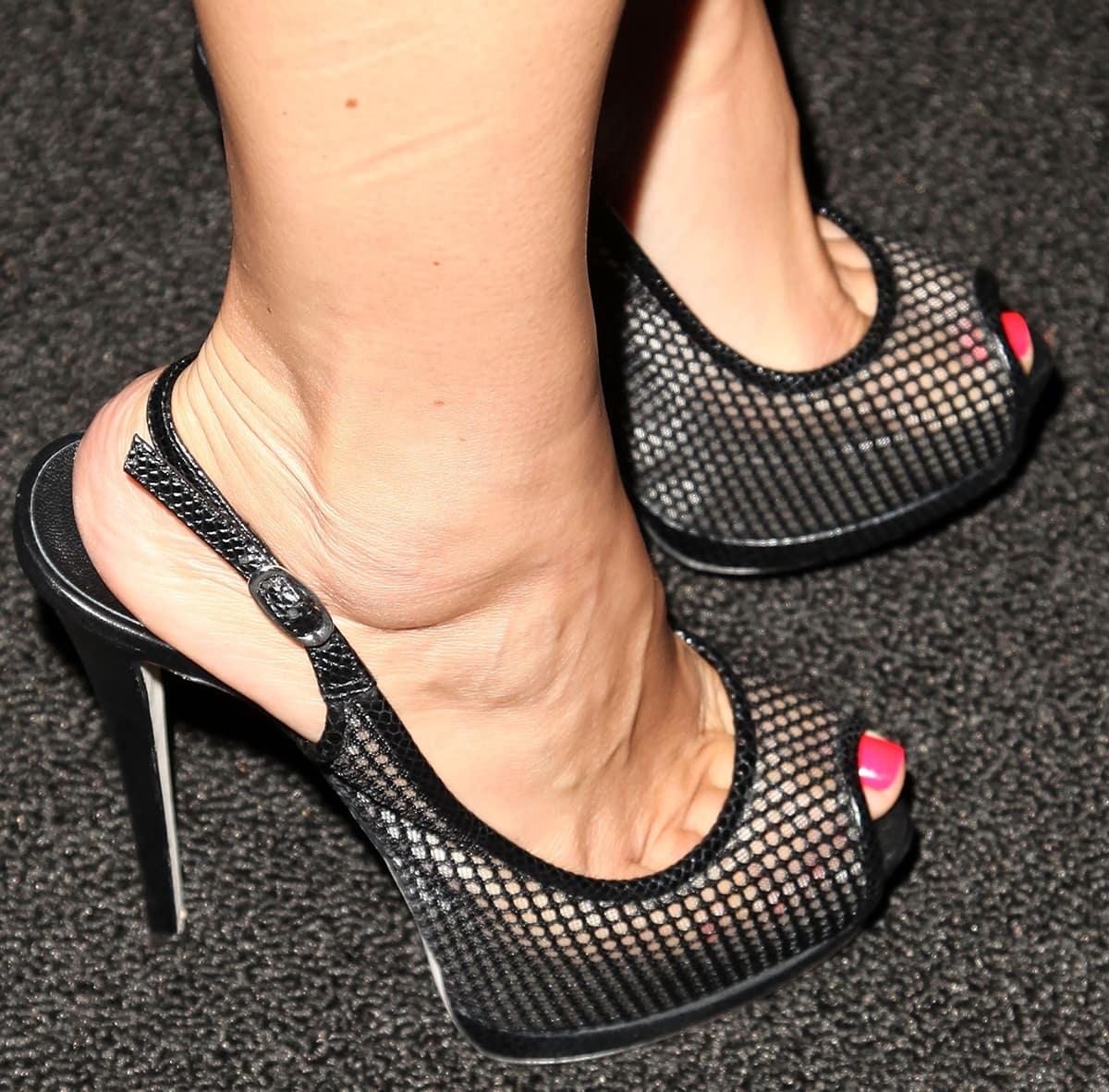 Giada De Laurentiis wears shoe size 6 (US) and loves showing off her feet in high heels