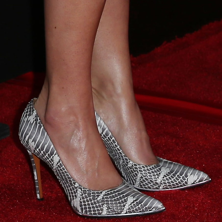 Giada De Laurentiis shows off her feet in high heel pumps at the opening of her first restaurant Giada