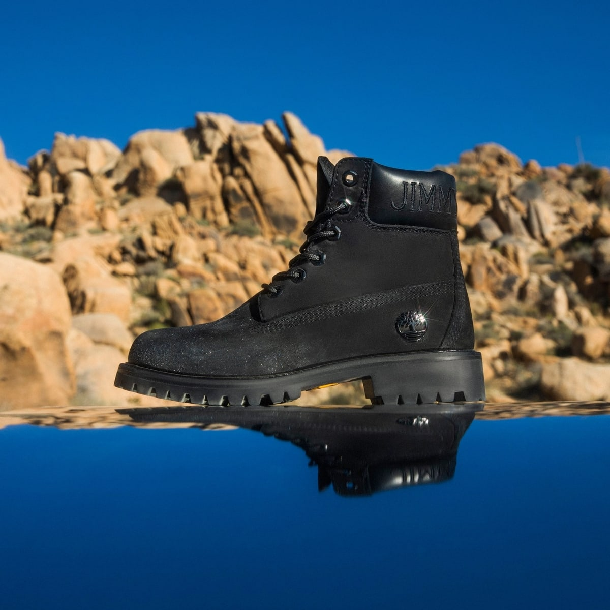 In black nubuck leather with shimmering detail, this sustainably-made pair is a glamorous update of Timberland's heritage 6-inch style