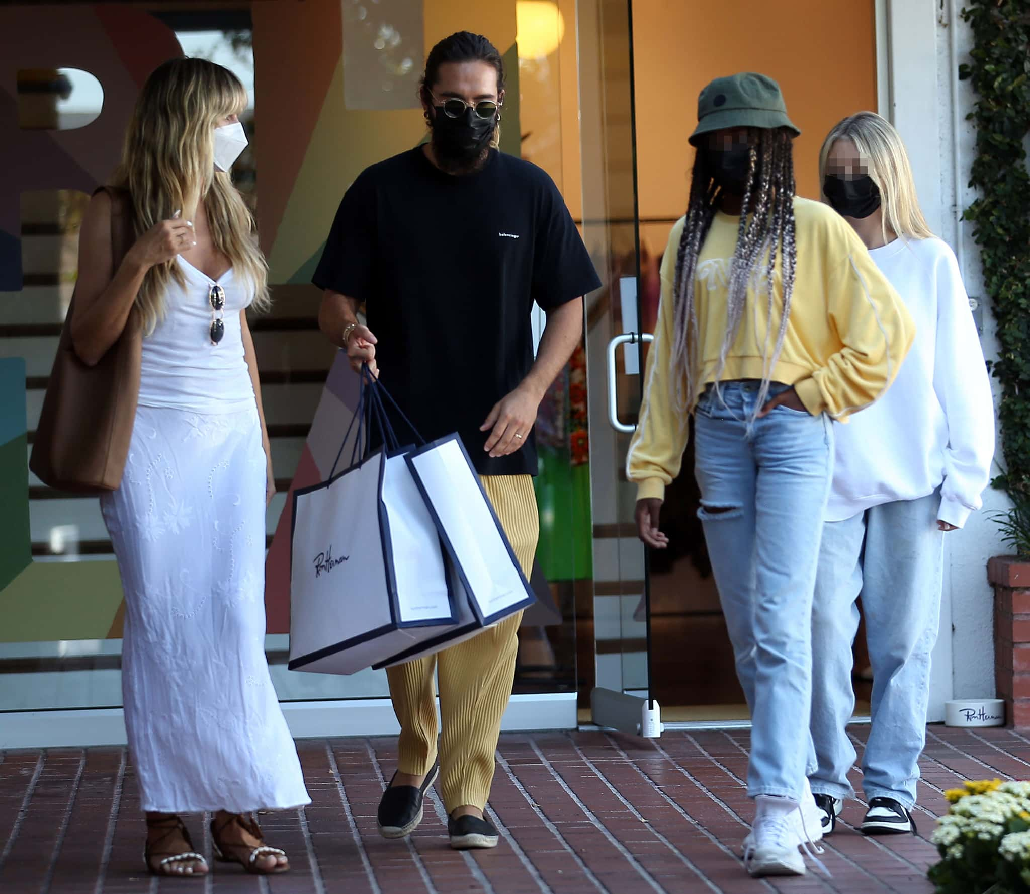 Heidi Klum out shopping with husband Tom Kaulitz and daughters Leni and Lou in West Hollywood on July 3, 2021
