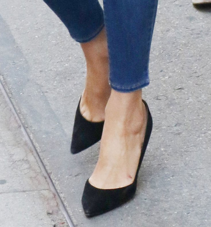 Nicky Hilton finishes off her smart casual look with black suede pumps