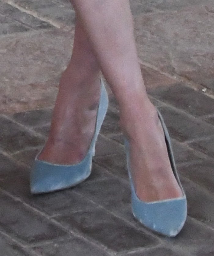 Nicky Hilton coordinates her dress with her light blue suede pumps