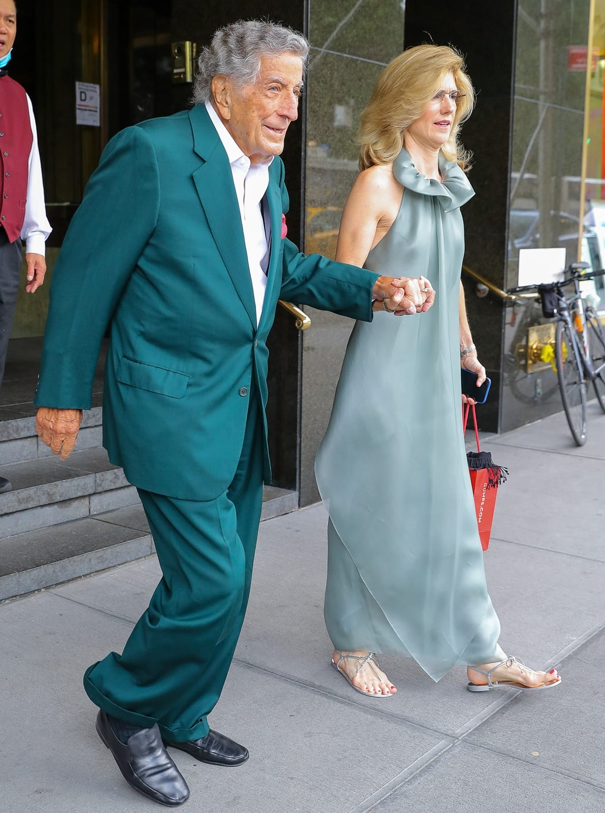 Tony Bennett and his wife Susan Crow heading to performance with Lady Gaga