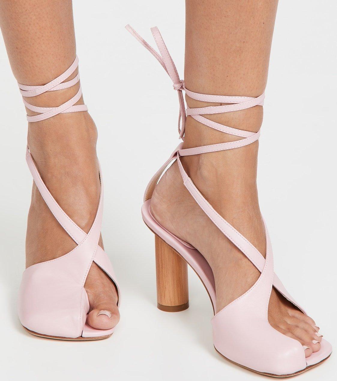 Pink cylindrical wooden heel A.W.A.K.E MODE Geraldine sandals