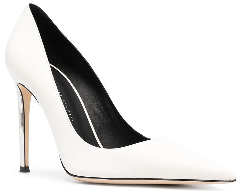 The Giuseppe Zanotti Raquel is a classic pointed-toe pump with Chrome high heels