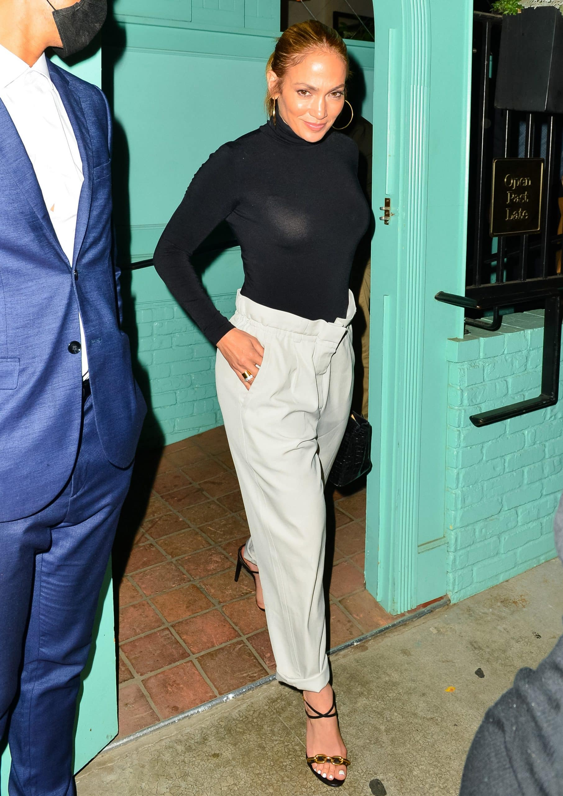 Jennifer Lopez grabs dinner with friends at Olivetta restaurant in Los Angeles on August 17, 2021