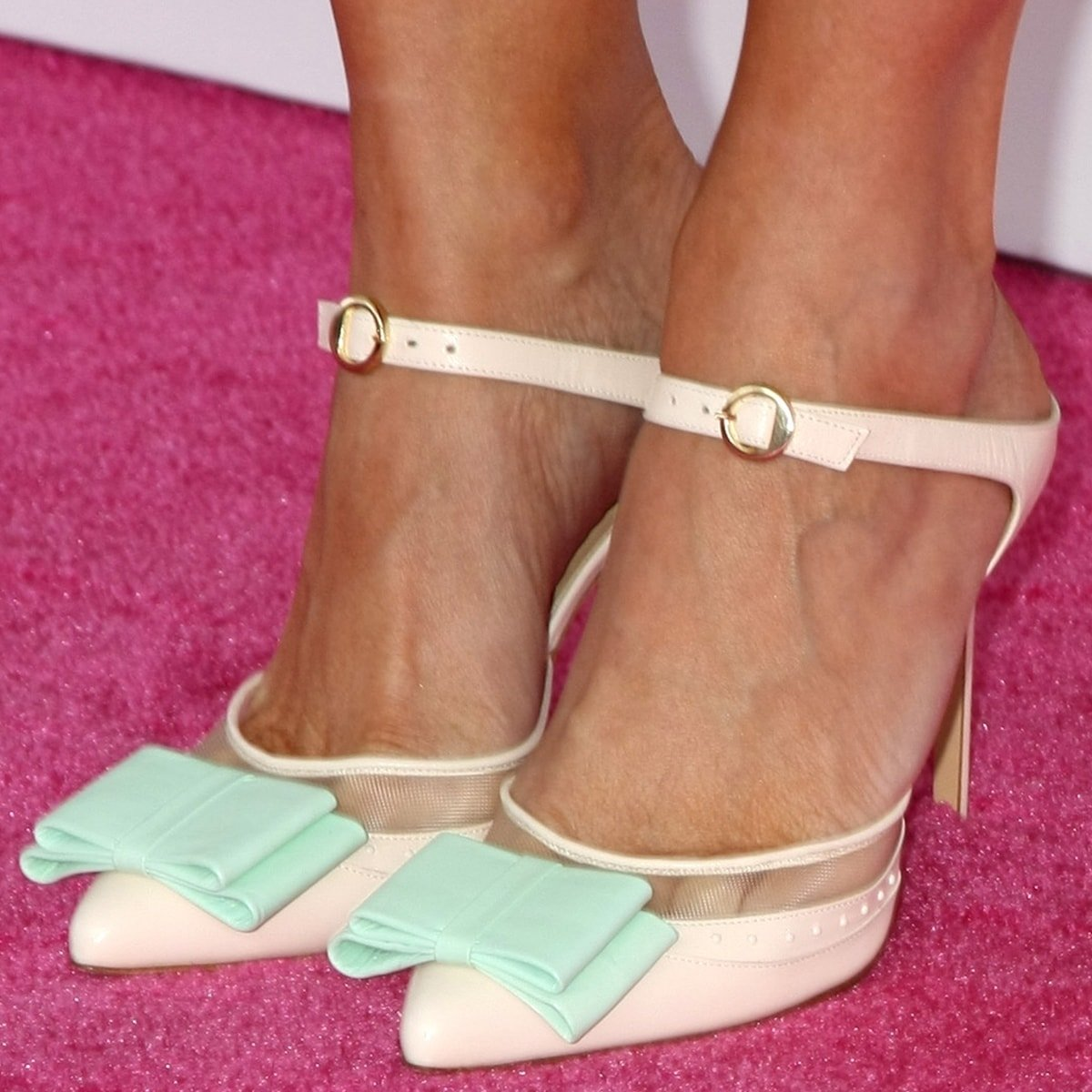 Kristen Wiig shows off her feet in Bionda Castana 'Atlanta' bow-embellished shoes