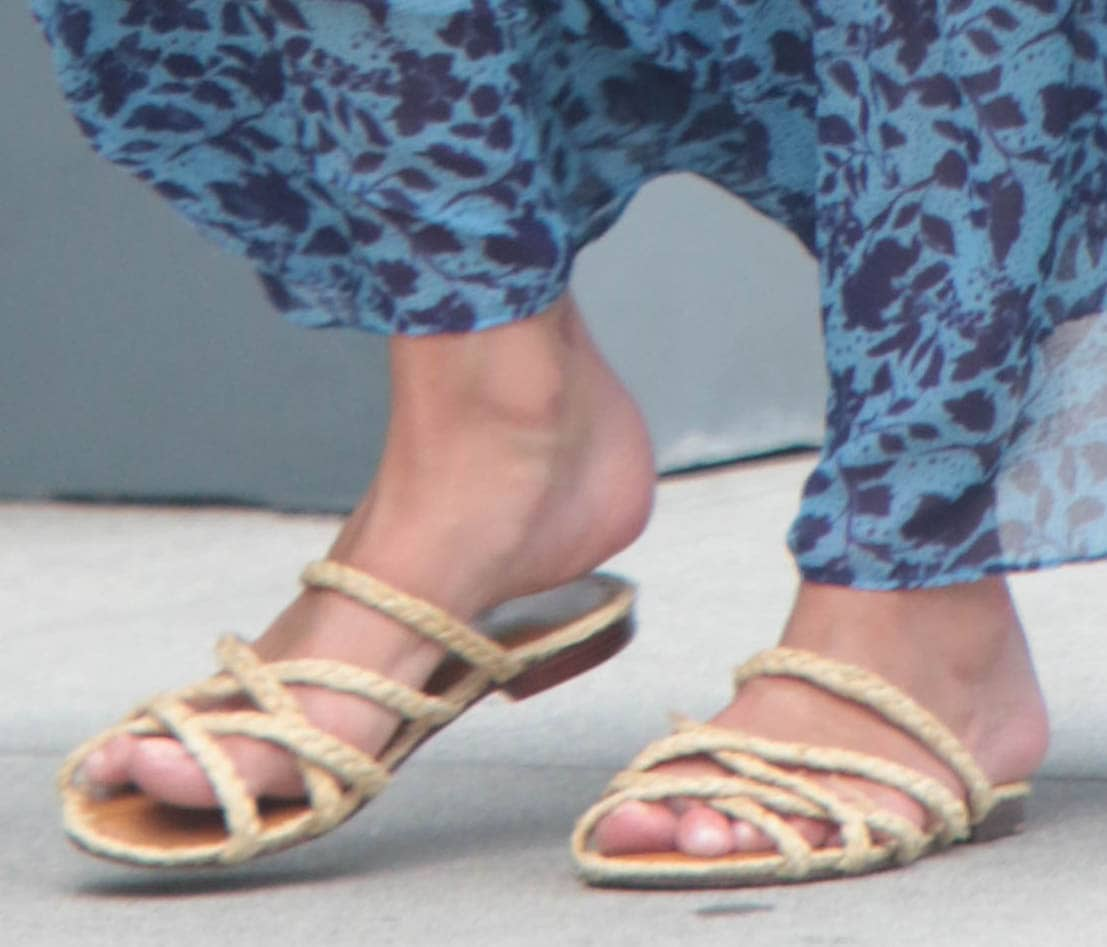 Nicky Hilton shows off her feet in Carrie Forbes raffia flat sandals