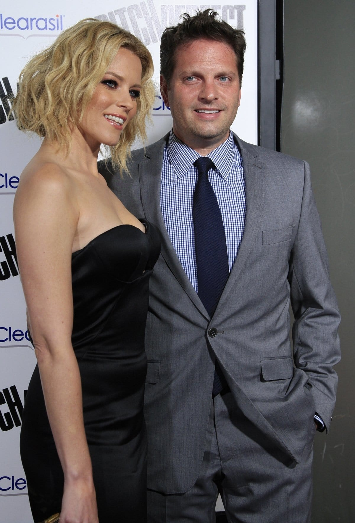 Elizabeth Banks and her husband Max Handelman arrive at the Los Angeles premiere of 'Pitch Perfect'