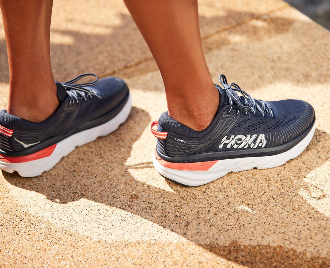 The popular Bondi 7 sneaker delivers a smooth, balanced ride over any distance