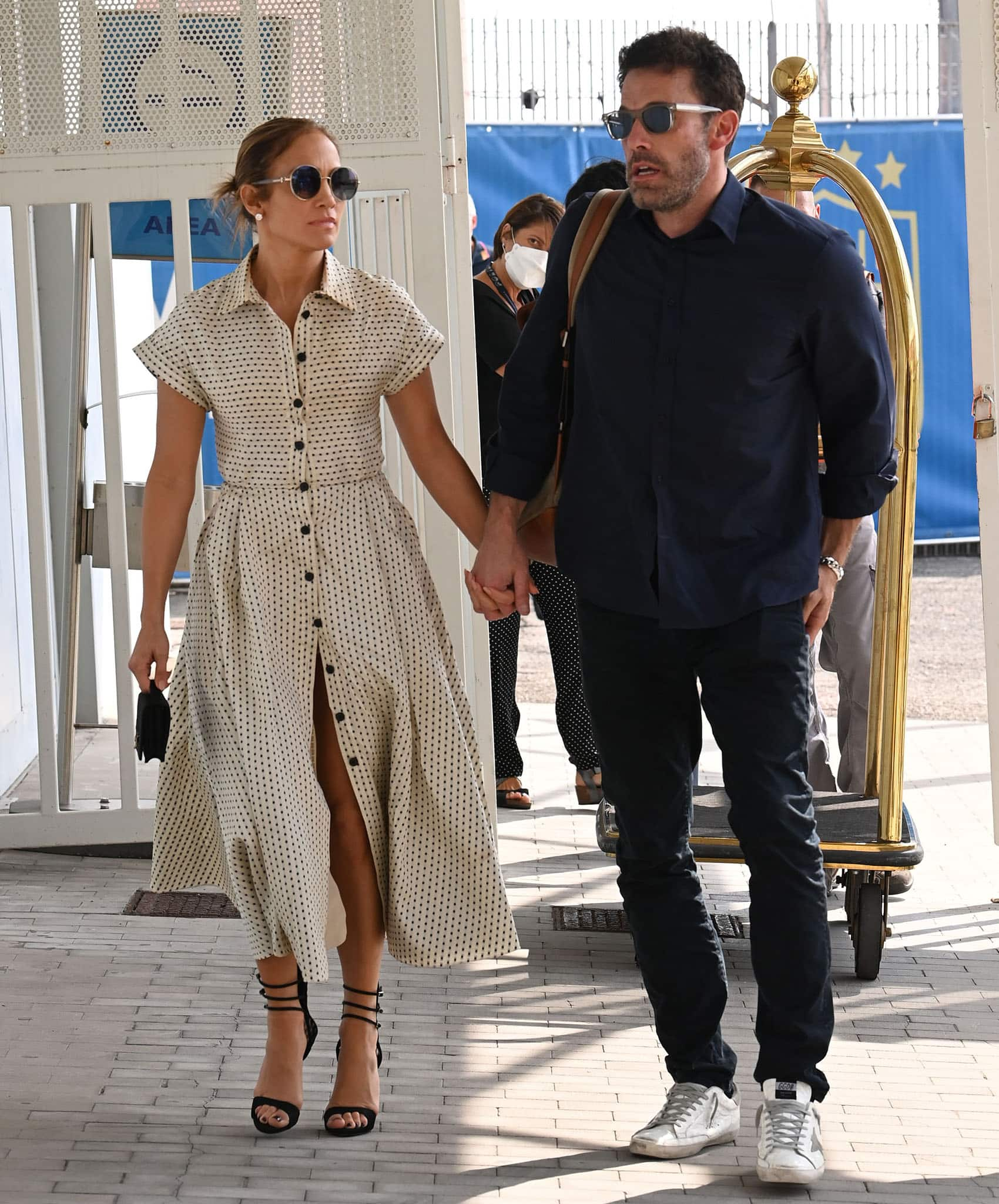 Jennifer Lopez gives off retro vibes in a Dior Pre-Fall 2020 polka-dot A-line shirtdress