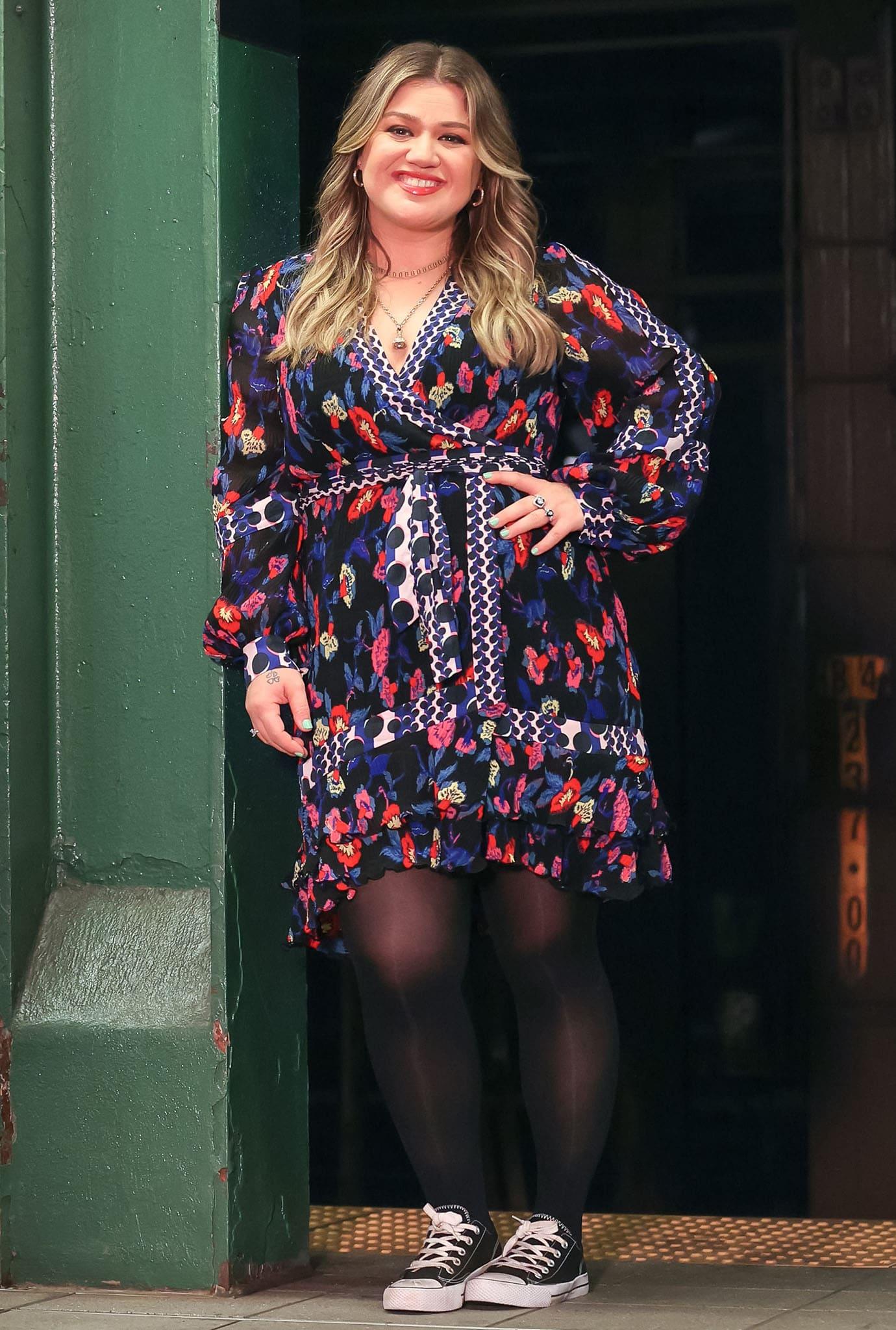 Kelly Clarkson wears a floral wrap dress from Diane vin Furstenberg