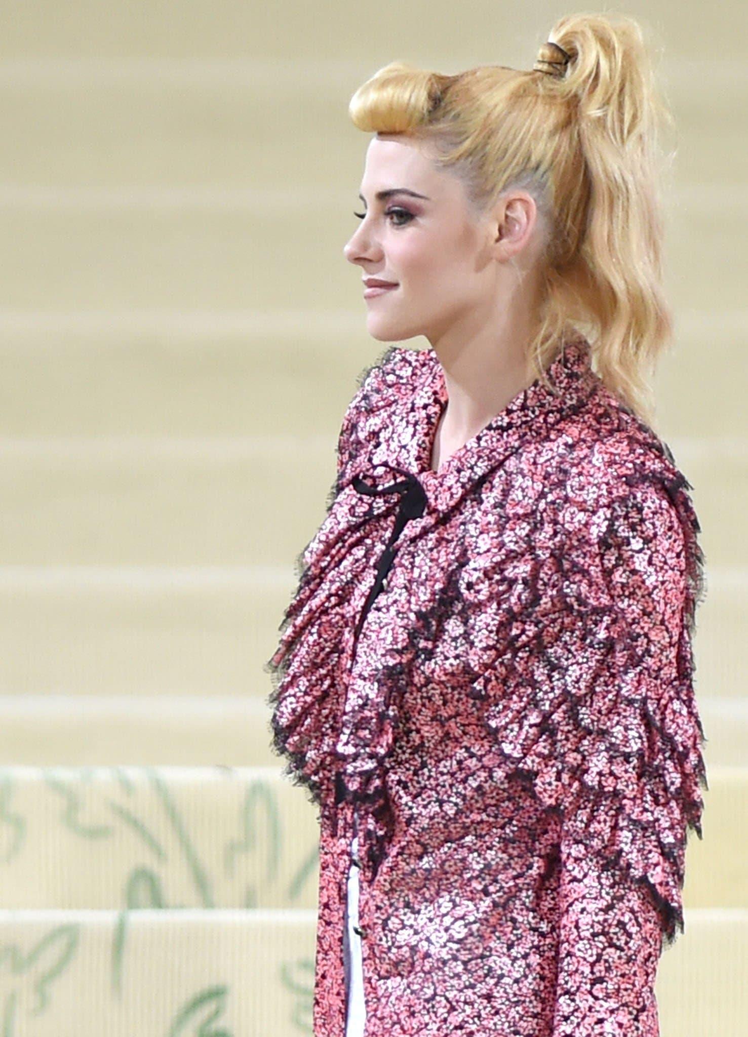Chanel muse Kristen Stewart attends the 2021 Met Gala in head-to-toe Chanel