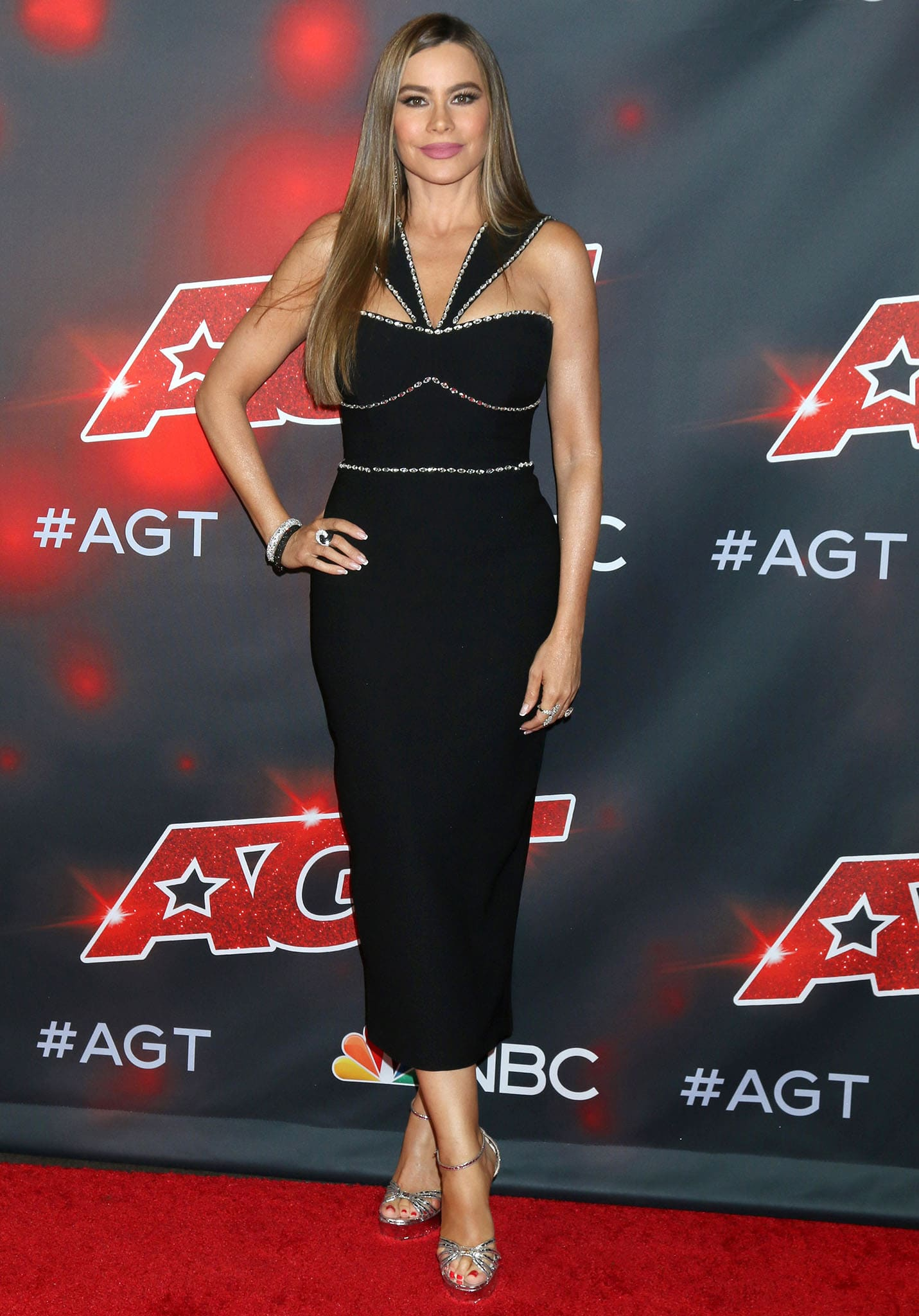 Sofia Vergara highlights her hourglass curves in Rosaria crystal-trimmed dress at America's Got Talent live show red carpet on September 7, 2021