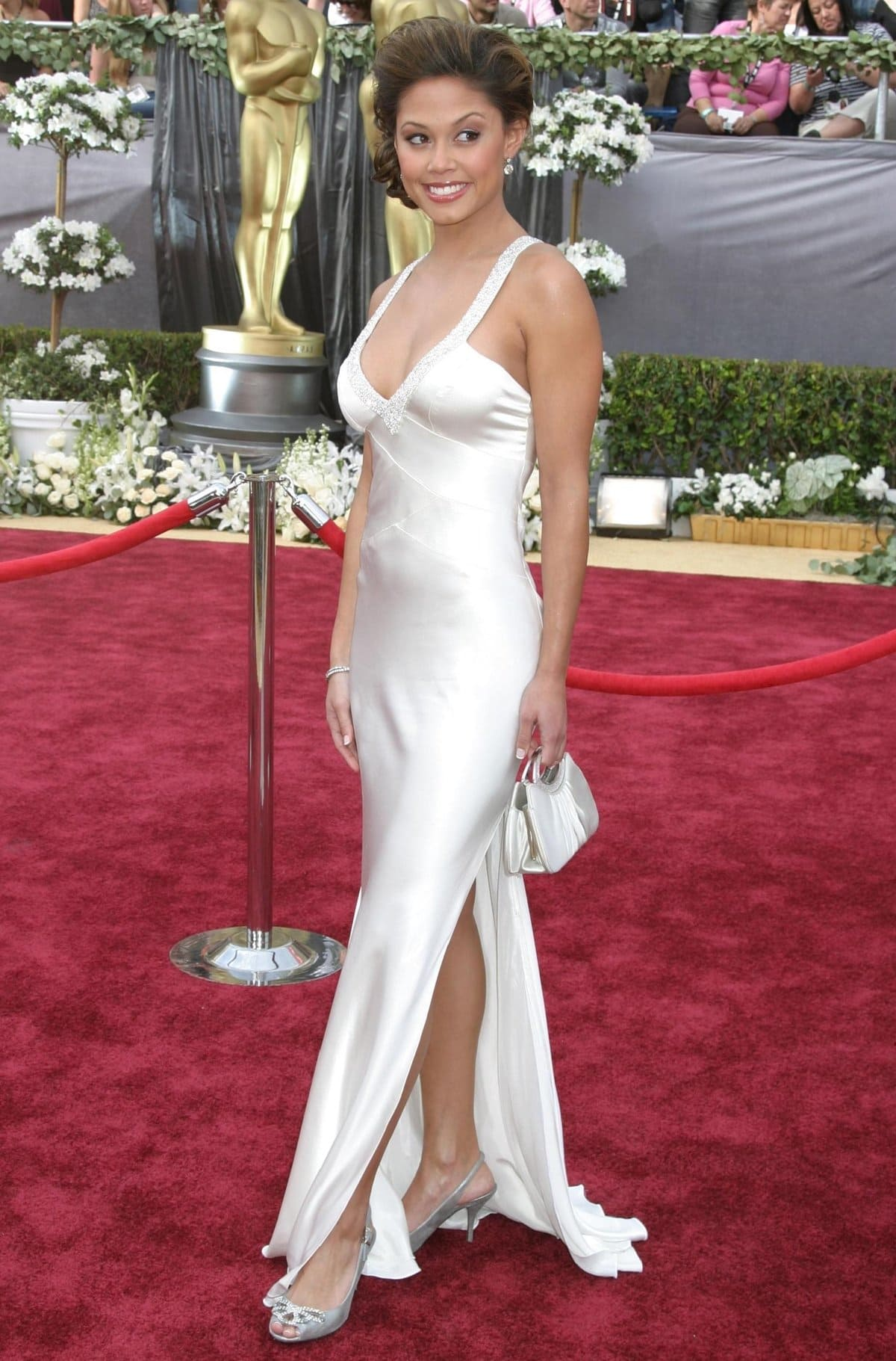 Television host Vanessa Minnillo arrives at the 78th annual Academy Awards