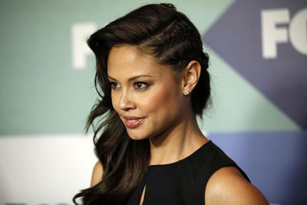 Vanessa Lachey plays Camilla Whittemore in the American live-action sitcom Dads