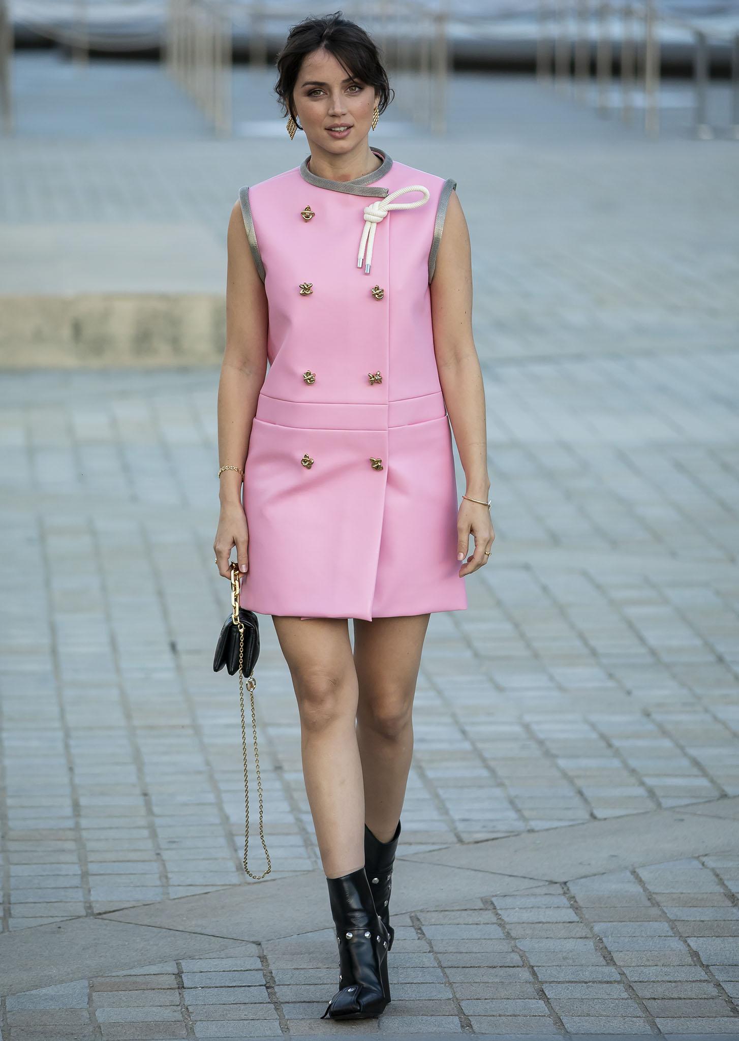 Ana de Armas showcases her legs in a '60s-style bubblegum pink Louis Vuitton Resort 2022 mini dress