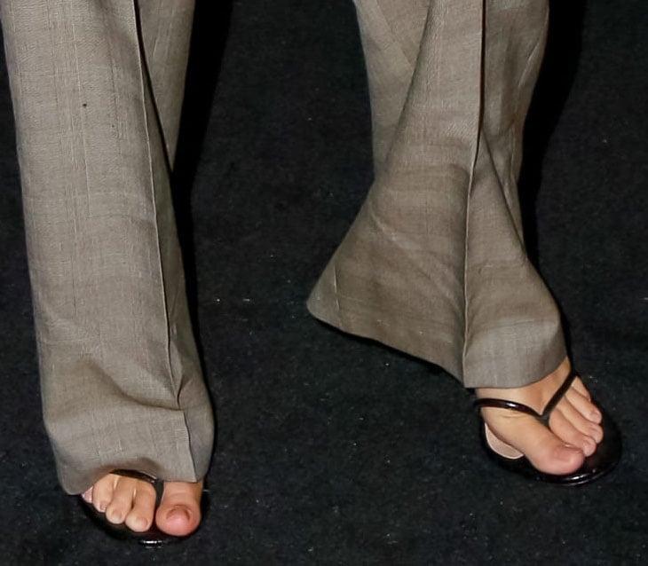 Emily Ratajkowski shows off her feet in Steve Madden Vada heels
