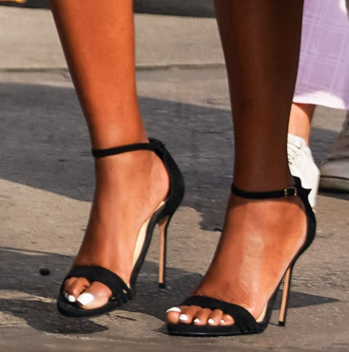 Gabrielle Union completes her chic and sexy outfit with Sarah Flint's Perfect heels